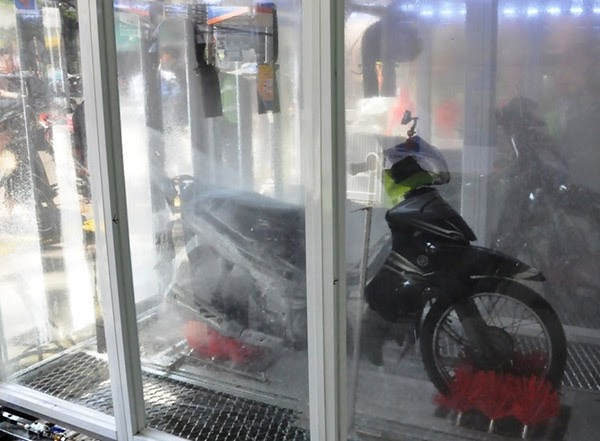 Hệ thống rửa xe ô tô thông minh