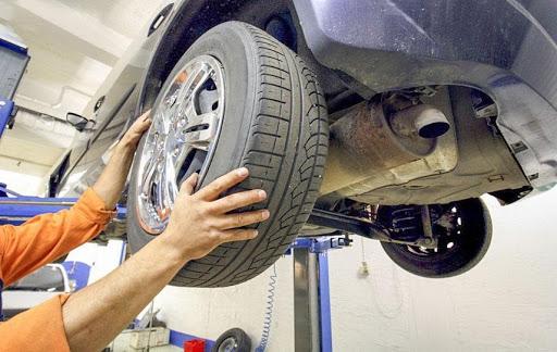 Kiểm tra hệ thống lốp xe