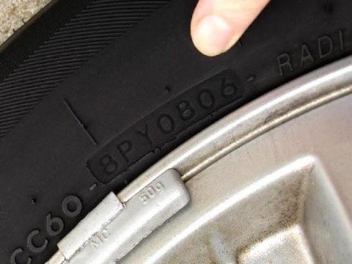 Xác định đời xe dựa vào lốp xe