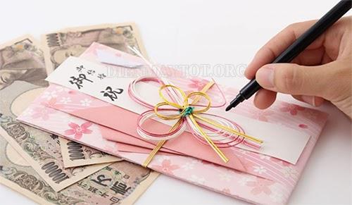 Cách viết phong bì đám cưới bạn thân