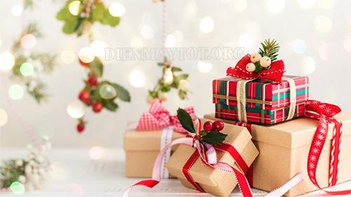 Món quà tặng nhau trong ngày noel