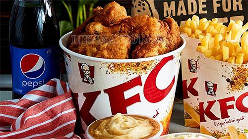 Ăn gà KFC một tiện lợi ngon vào ngày giáng sinh