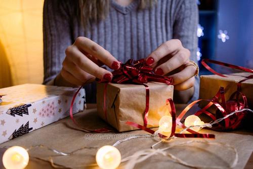 ngày lễ tình yêu nên tặng quà gì