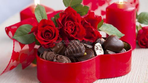 valentine đỏ nên tặng gì