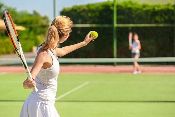 Tennis - môn thể thao có rất nhiều người đam mê