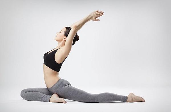 Tập yoga giúp giảm mỡ mông