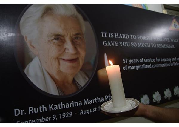 Dr. Ruth Pfau - Người cơ đốc giáo đầu tiên không theo đạo Hồi được tổ chức quốc tang